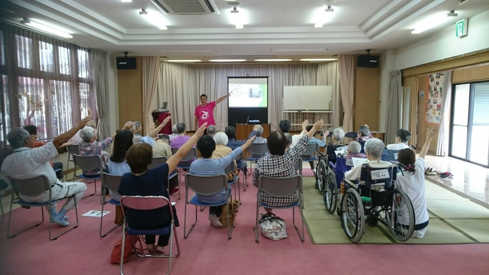 特別養護老人ホームで開催された認知症カフェで講演を行いました!